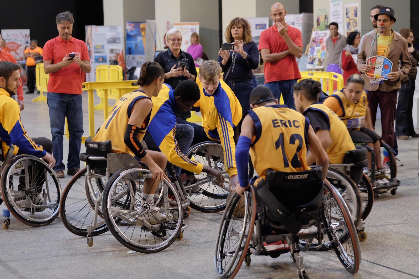 Las Palmas de Gran Canaria. 22/11/16.  Ruta por la Accesibilidad, celebrada hoy en el Edificio Miller de la capital grancanaria.